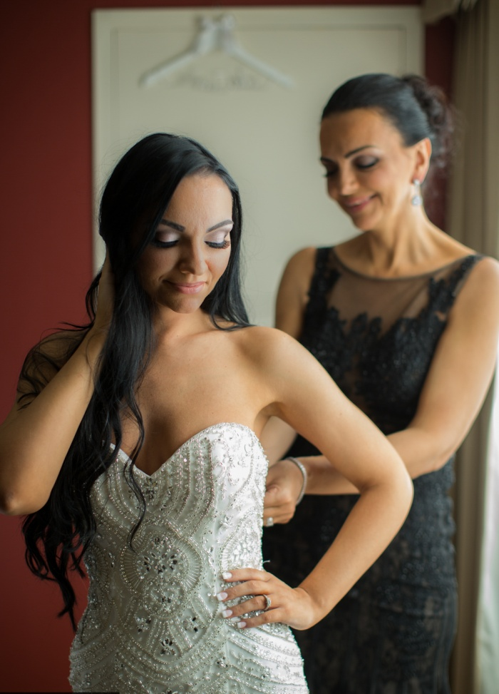 How To Prepare For Wedding Dress Shopping Dos Donts