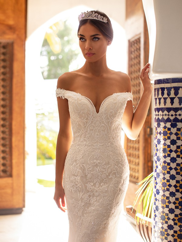 Moonlight Couture H1391 sexy deep sweetheart off-the-shoulder lace mermaid bridal gown