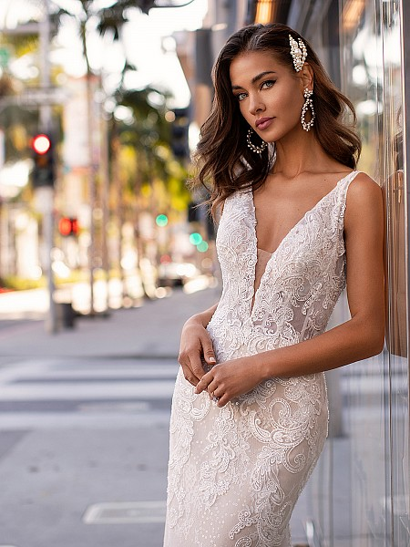 Sexy Plunge Sweetheart Neckline With Illusion Lace Straps Moonlight Couture H1441