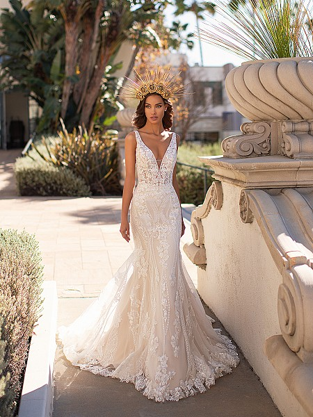 Sexy Mermaid Wedding Dress With Beaded Vine Lace Moonlight Couture H1448
