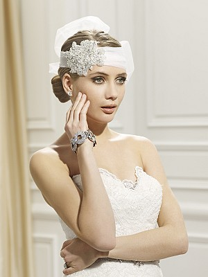 Moonlight Headpieces HP 101 beautiful wedding day hair accessories