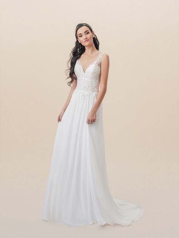 Moonlight Tango T823 boho chiffon A-line wedding dress with flattering V-neck and flowy skirt