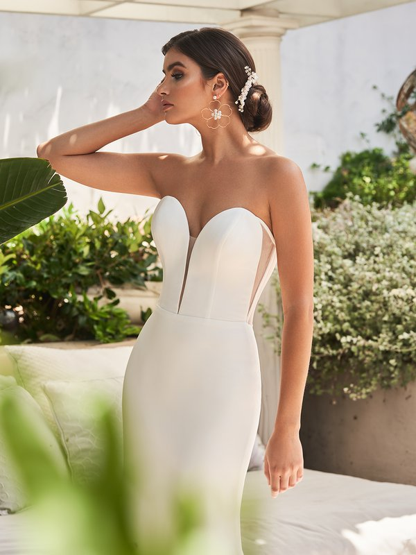 Moonlight Tango T926 minimalist strapless sweetheart with illusion inset regal crepe mermaid bridal gown